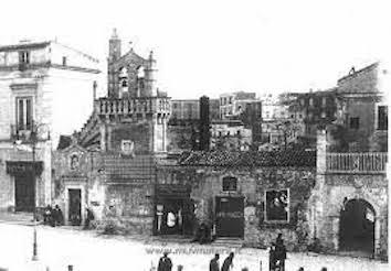 la parete chiusa che impediva la vista dei Sassi dalla Piazza